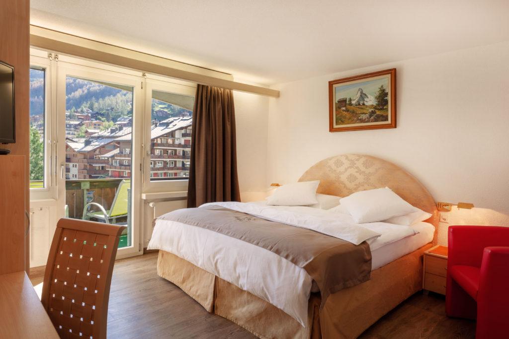 Hotel Beau Rivage Zermatt Doppelzimmer Standard Nordseite Schlafen