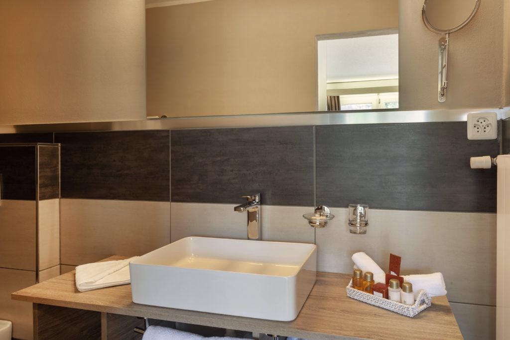 Hotel Beau Rivage Zermatt Doppelzimmer Standard Nordseite Waschbecken