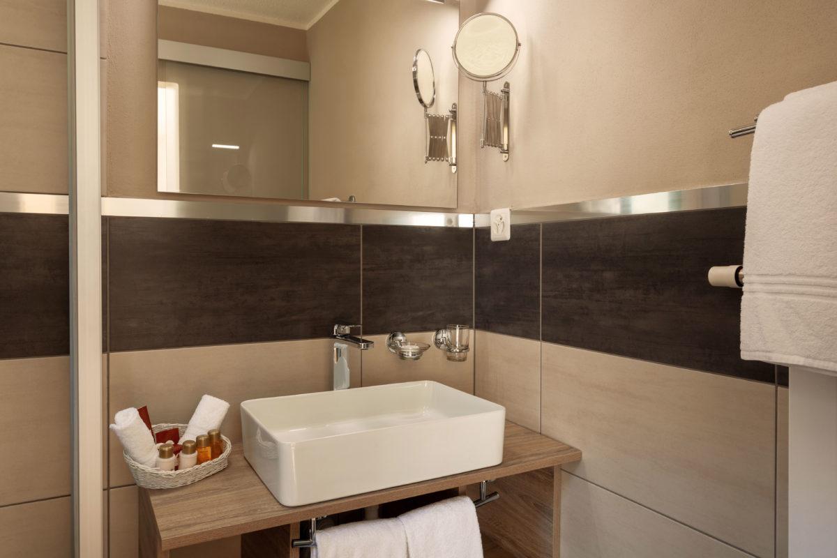 Hotel Beau Rivage Zermatt Einzelzimmer Nordseite Waschbecken