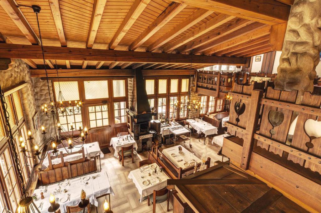 Hotel Beau Rivage Zermatt Restaurant Chez Julen Uebersicht