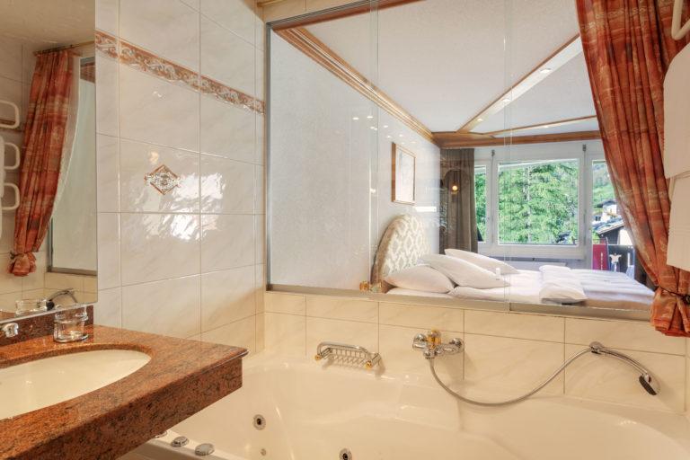 Hotel Beau Rivage Zermatt Suite Bad