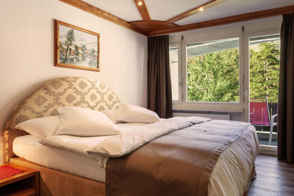 Hotel Beau Rivage Zermatt Suite Schlafzimmer